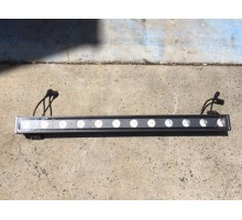 Condition: Second Hand - LED BAR Outdoor IP65 1m Wash Light 12x5w RGBW 4-in-1 LEDs - Clearance Item